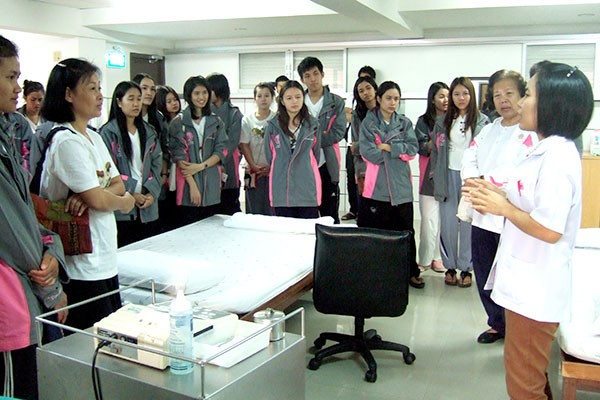 Students from Faculty of Nursing, Ubon Ratchathani University takes a study tour at Golden Years Hospital.